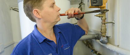 pump-repairs-burst-water-pipes-southwest-london-macror-plumbing